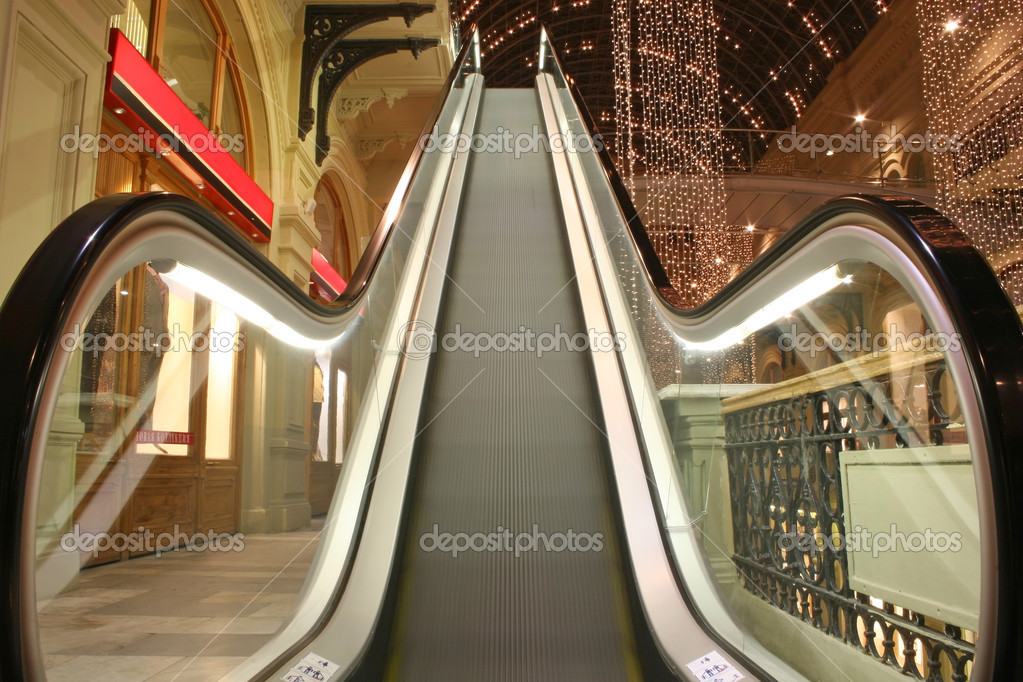 Escalator in shop — Stock Photo #3643013