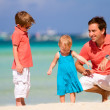 Family on vacation — Stock Photo #3587199