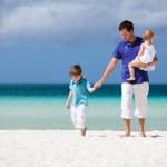Family on vacation — Stock Photo #3593622