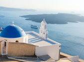 Blue domed church in Santorini — Stock Photo