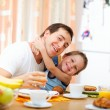 Family breakfast — Stockfoto