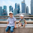 Two kids in big modern city — Stock Photo #3855766
