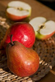 Pear and apple — Stock Photo