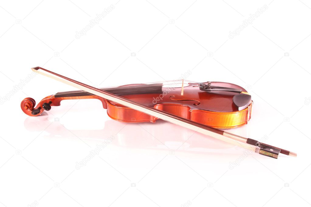 Violin isolated on white and reflected — Stock Photo #2709500