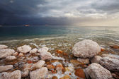 Winter. Blue storm cloud on the Dead Sea — Photo