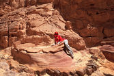 Tourist in the Colored Canyon. — Stock Photo