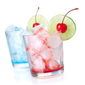 Two cocktails with lime slice — Stock Photo