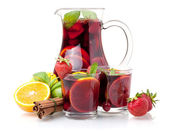 Refreshing sangria (punch) and fruits — Stock Photo