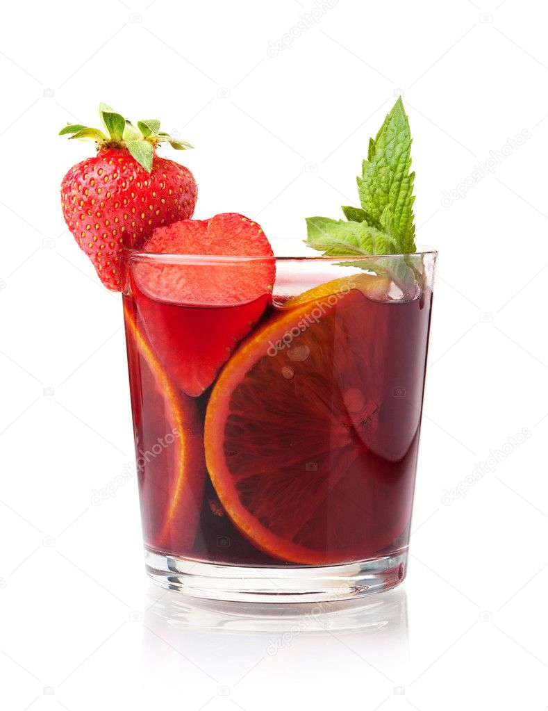 Cocktail collection - Refreshing fruit sangria with strawberry and orange. Isolated on white — Stock Photo #3235361