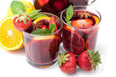 Two glasses of fresh fruit sangria — Stock Photo