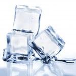 tři tání ledu kostky — Stock fotografie