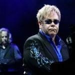 Sir Elton John live concert in Minsk, Belarus on June, 2010 — Stock Photo