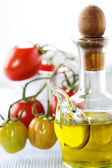 Zeytinyağı ve domates — Stok fotoğraf
