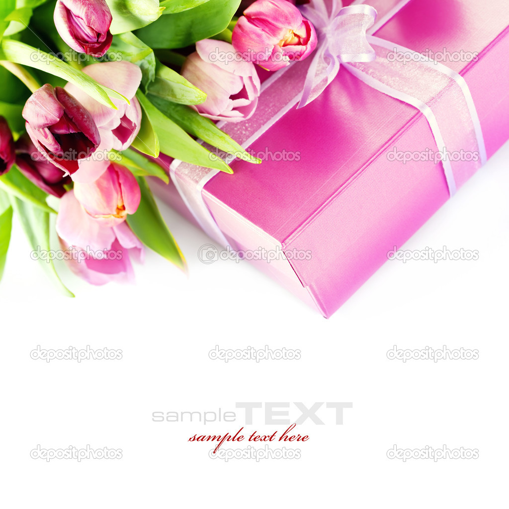 Pink tulips and gift box on a white background. With easy removable sample text. — Stock fotografie #3860024