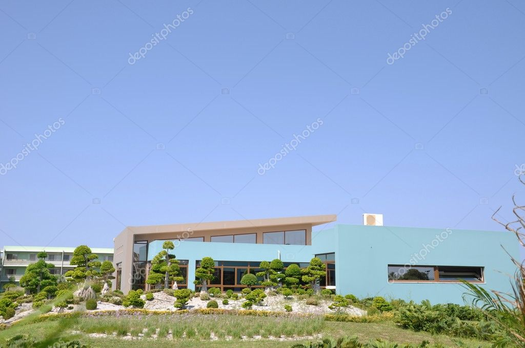 Modern architecture on a hotel infrastructure with ornamental garden — Stock Photo #3910700