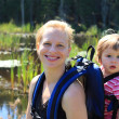 Mother and daughter hiking - Foto Stock