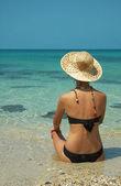 Sahilde güzel kadınlar — Stok fotoğraf