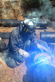 Tubería de trabajo del soldador — Foto de Stock