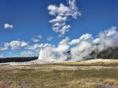Old Faithful, Yellowstone National Park — Stock Photo