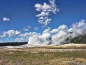 Old Faithful, Yellowstone National Park — Stock Photo