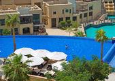 Swimming pool in Dubai downtown — Stock Photo