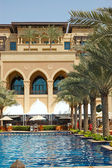 Luxury hotel swimming pool — Stock Photo