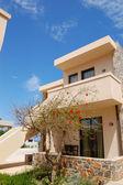 Villa en el moderno hotel popular, creta, grecia — Foto de Stock