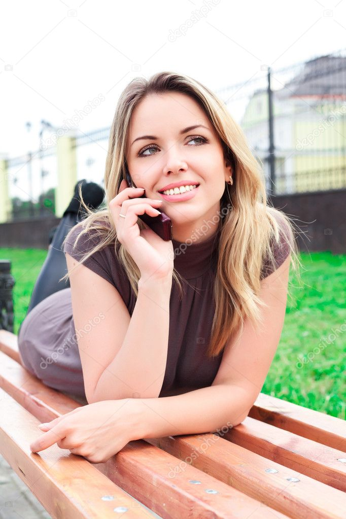 Beautiful woman with mobile phone  — Stock Photo #3592174