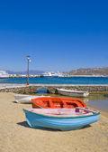 Barcos de pesca na praia — Foto Stock