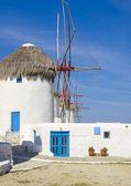 Windmills on the hill island of Mykonos — Stock Photo