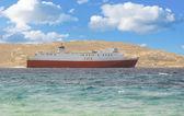 Statek na morzu w chmury — Zdjęcie stockowe