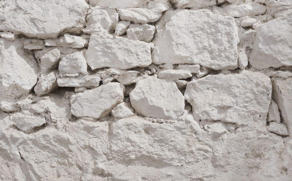Blanchies la chaux mur blanc de la pierre brute for Poutres blanchies a la chaux