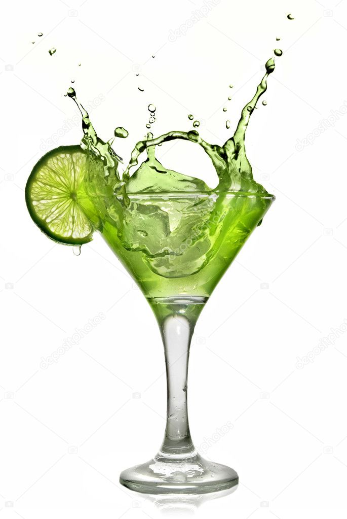 Green alchohol cocktail with splash and green lime isolated on white — Stock Photo #3030556