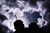 Silhueta da igreja com os cruzamentos — Foto Stock
