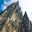 Towers of Koelner Dom Cologne Cathedral over blue sky — Stock Photo