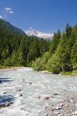 Sarca stream, italien — Stockfoto