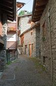 Stone homes in La Thuille — Stock Photo
