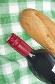 Wine and Bread Picnic — Stock Photo