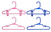 Set of Childrens Clothing Hangers — Stockfoto
