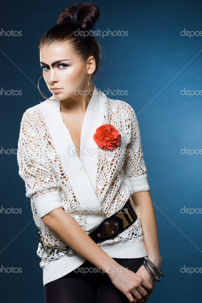 Fashion woman with black eyebrows — Stock Photo #3638310
