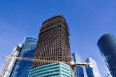 Construcción de edificio de varios pisos — Foto de Stock