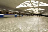 скорость поездов на подземные платформы — Стоковое фото