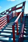 Modré schodiště v moderní kancelářské centrum — Stock fotografie