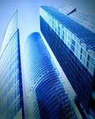 Yeni bir alan iş merkezi içinde gökdelenler — Stok fotoğraf