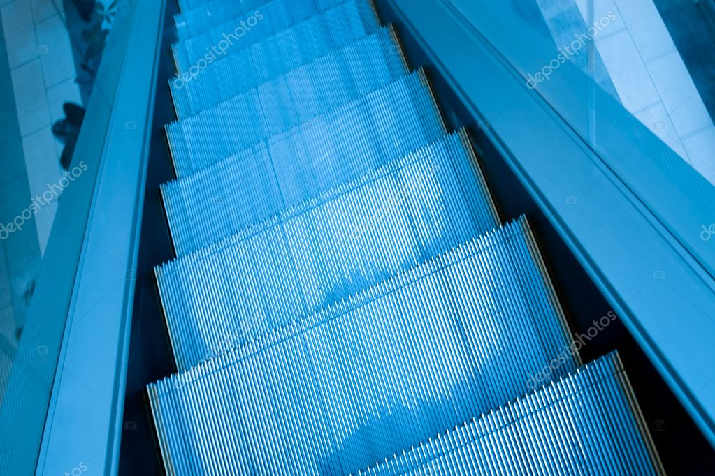 Escalator in airport — Stock Photo #3249275