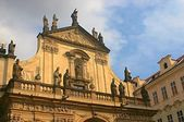 Kerk van st. nicholas praag — Stockfoto
