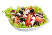 Griekse salade geïsoleerd — Stockfoto