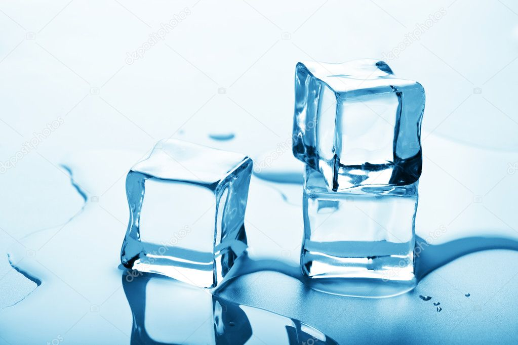 Melting ice cubes — Stock Photo #3717780