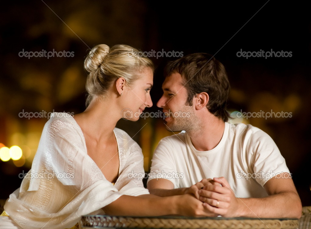Young couple in love — Stockfoto #4744222