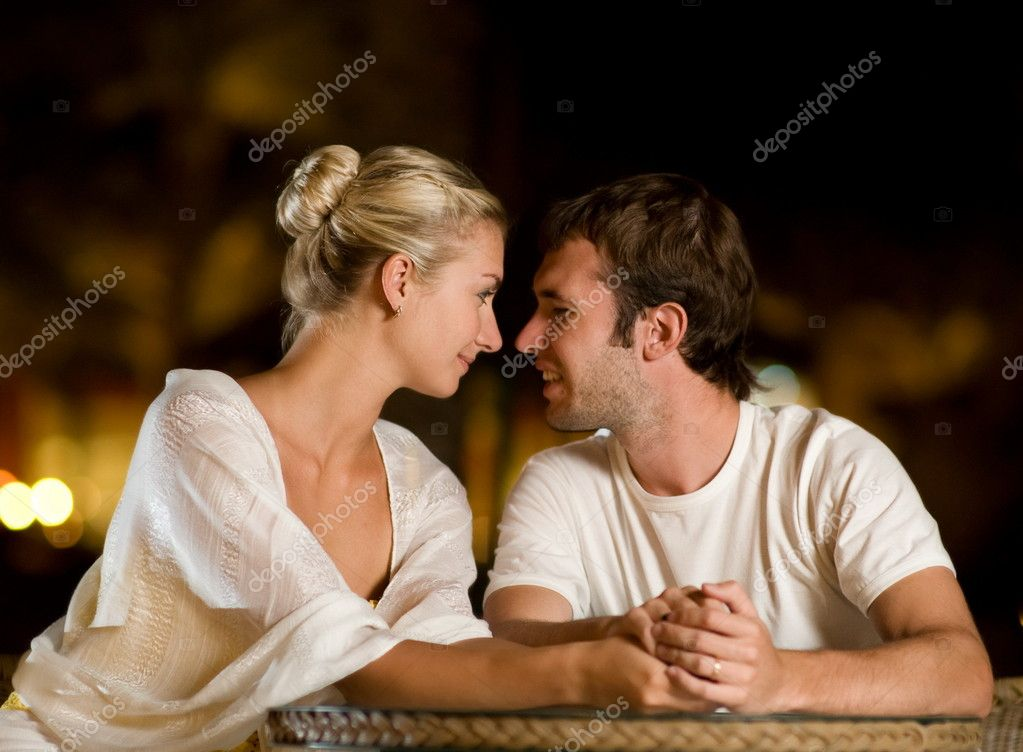 Young couple in love — Foto Stock #4744222